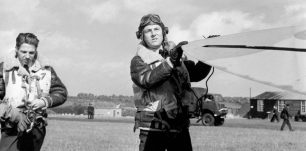 Image of Kenneth More in the film Reach for the Sky