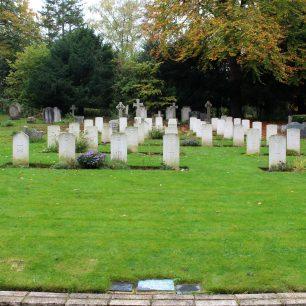St Luke's Whyteleafe RAF war graves.