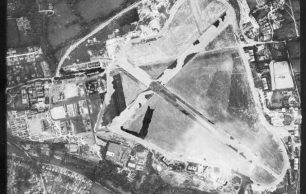 Historic England aerial photograph 27 June 1941