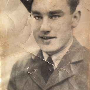 Stan in RAF uniform | with permission from Stan Ford