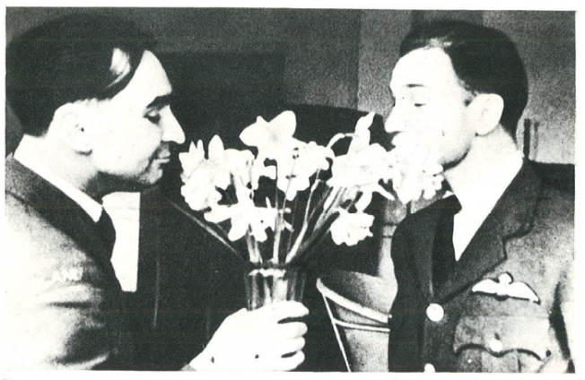 The first spring daffodils smell just as in faraway Poland. From the right - Lieutenant R.Narucki and Lieutenant W. Król., RAF Kenley, April 1941.