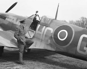 Wing Commander Hugh Godefroy standing in front of his personalised Spitfire | Courtesy of The Canadian Fighter Pilot & Air Gunner Museum (www.flyingforyourlife.com)