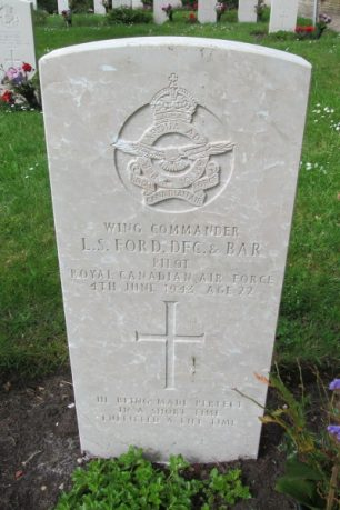 The grave of L. S. Ford at the Municipal Cemetery, Vlieland, Netherlands. Grave 63.  | Canadian Virtual War Memorial