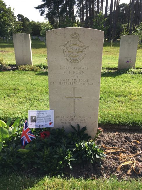 The grave of Sergeant Edward James Egan, of No.501 squadron, killed in action on 17th September, 1940,  Aged 19.  | Linda Duffield