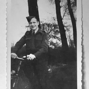Photograph of an unknown Sergeant from the collection of F/Sgt. Rose.   Bea Howells and family.