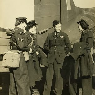 Photo from the collection of F/Sgt. William George Rose.    Bea Howells and family