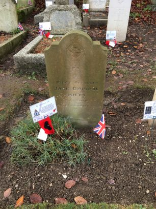 The grave of Pilot Officer Mills in St. Luke's churchyard, Whyteleafe. Remembrance 2019.  | Linda Duffield