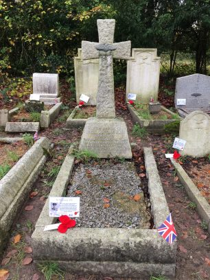 The grave of Flying Officer Broadway in St. Luke's churchyard, Whyteleafe. November 2019. | Linda Duffield