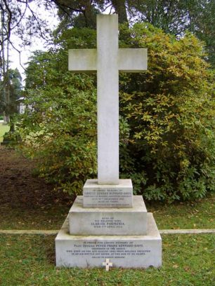 The grave of P/O Kennard-Davis in Brookwood Cemetery.  | Battle of Britain Monument