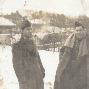 Another of Mudie with Horne in France during the freezing winter of 1939/40.  | ©️Terry Horne