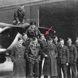 253 Squadron at RAF Northolt (see link below). P/O Clifton marked with red arrow.  | F/Lt. Greenwood via Andy Long