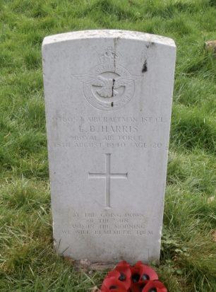 The grave of AC1 Leslie Barton Harris.  | Brad Evans