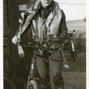 Sergeant Houghton, RCAF.  | F/Lt. Edward Thorne