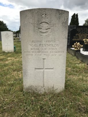 The grave of Flying Officer Reynolds in Bandon Hill Cemetery.  | Linda Duffield