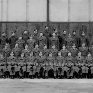 601 Squadron, with Donald Stewart 3rd row, 2nd left.  | Stewart family via Andy Long