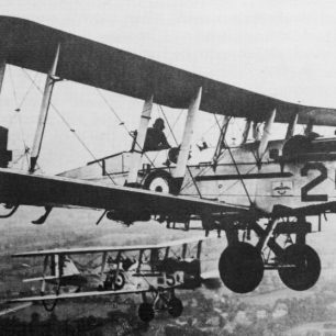 De Havilland dH.9As of 39 squadron, who were stationed at Kenley at the same time as 24 squadron in 1922-23. |  Peter Flint, RAF Kenley.