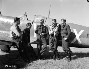 Pilots of 401 squadron, RCAF, on 19th August, 1942. Left to right: F/S Edward L. Gimbel, F/Lt. James Witham DFC, F/S Robert Dunham Reesor, P/O George B. Murray, Sgt. Joseph L. Armstrong. | Francois Oxeant -