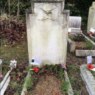 F/O Logsdail's grave in St. Luke's, Whyteleafe. | Linda Duffield