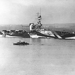 H.M.S. Furious in 1918 with a