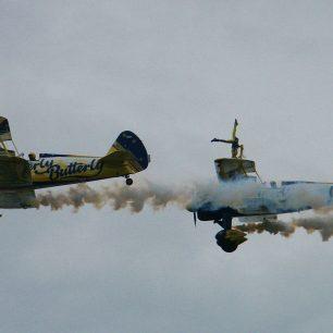 Utterly Butterly Wingwalkers - Boeing PT-17 Stearman | Neil Broughton