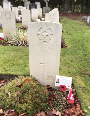 The grave of F/Sgt. Burke  in St. Luke's churchyard, Whyteleafe. Remembrance 2020. | Linda Duffield