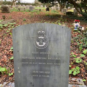 The grave of P/O Montague Percival Richards at St. Mewan's churchyard, St. Austell.  | John Keast