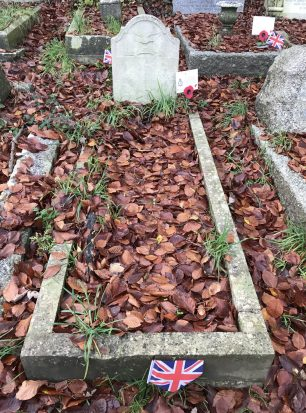 The grave of P/O Keen in St. Luke's churchyard, Whyteleafe. Remembrance 2020.  | Linda Duffield