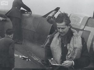 S/Ldr. Donald MacDonell, who led No.64 Squadron at Kenkey during the Battle of Britain.  | Still from 'Fighter Pilot, ©️IWMUKY263