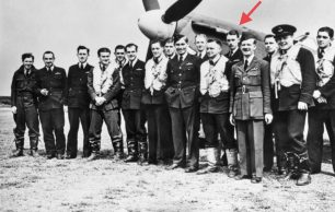 Flying Officer Donald Edwin Lewis