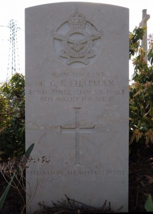 The grave of Sgt. Chapman in Longuenesse (St. Omer) Souvenir Cemetery.  | Candat Anthony (findagrave)