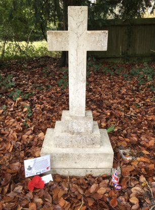 The grave of Lt. Stanley Blackall Bradley in St. Luke's, Whyteleafe.  | Linda Duffield
