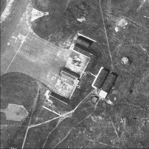 Blast Pen 3 from an Aerial Photograph of the Airfield from May 1947 | Historic England