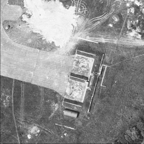 Blast Pen 4 from an Aerial Photograph of the Airfield from May 1947 | Historic England