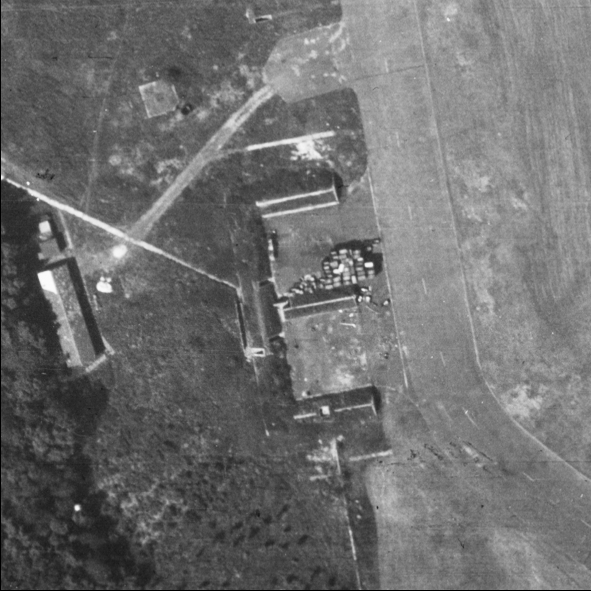 Blast Pen 12 from an Aerial Photograph of the Airfield from May 1947 | Historic England