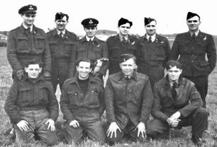 Jack Ball and his crew and ground staff, Ronald Parsonson, bottom row last on right, at Kelstern with 625 Squadron.  | Keith Parsonson