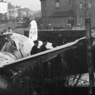 Examining the wreckage of Gloster Galdiator K6150, in Hove.  | Copyright unknown
