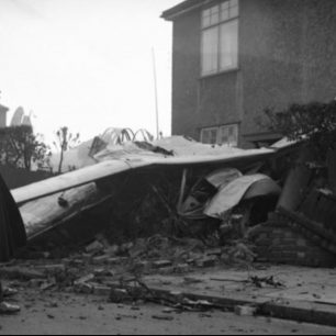 The crash of Gloster Galdiator K6150, in Hove. The house still stands today.  | Copyright unknown