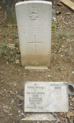 AC1 Asker's grave in Chingford Mount Cemetery.  | Kerry Gilling (findagrave).