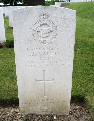 Sgt. Gallon's grave in Abbeville Communal Cemetery, France.    Len (findagrave).