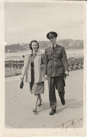 Cathie and Horace in Torquay, July 1940, during his convalescence after the Battle of France.  | ©️Terry Horne