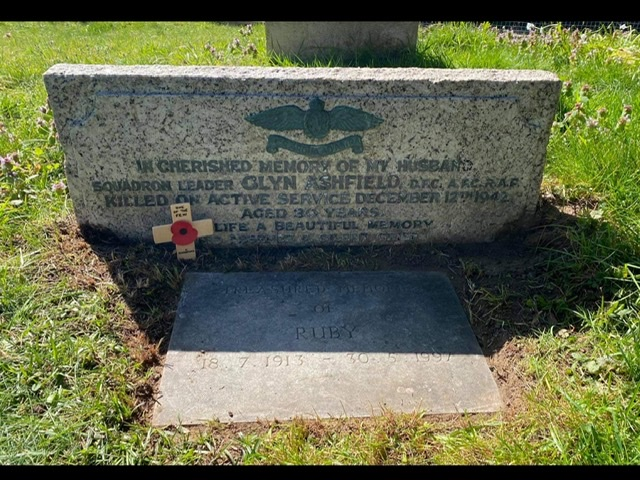 The grave of Squadron Leader Glyn Ashfield DFC AFC, in St. Peter's churchyard, Limpsfield | Jane Collman