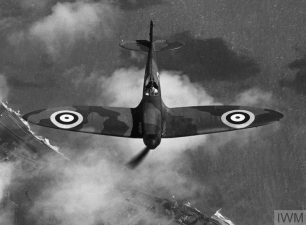 ROYAL AIR FORCE FIGHTER COMMAND (HU 104755) Spitfire Mk I in flight, May 1940. Copyright: © IWM. |  Original Source: https://www.iwm.org.uk/collections/item/object/205224610