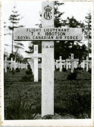 F/Lt Thomas Karl Ibbotson's original temporary grave marker at Brookwood. This photo was found affixed to the flying logbook of his brother, Donald Alleyne Ibbotson.   JMV